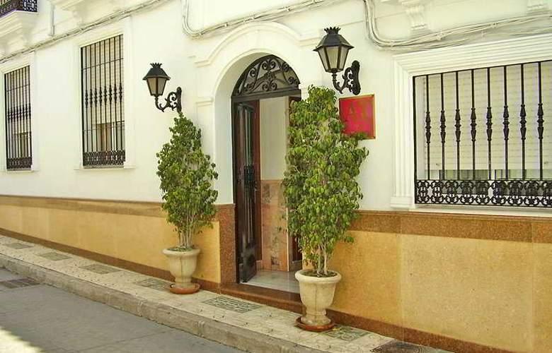 Abril Apartamentos - Hotel - 0