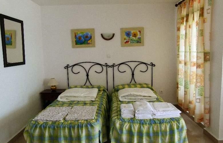 Apartamentos Intercentro (Algarrobo-Costa) - Room - 3