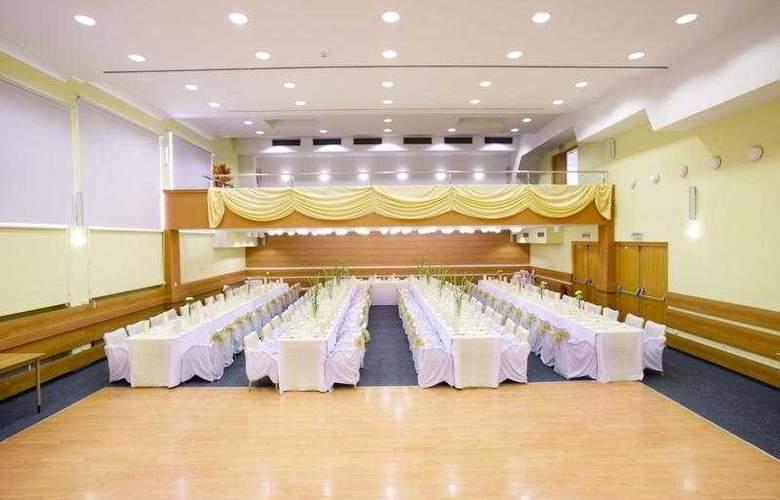 Baronka - Conference - 3