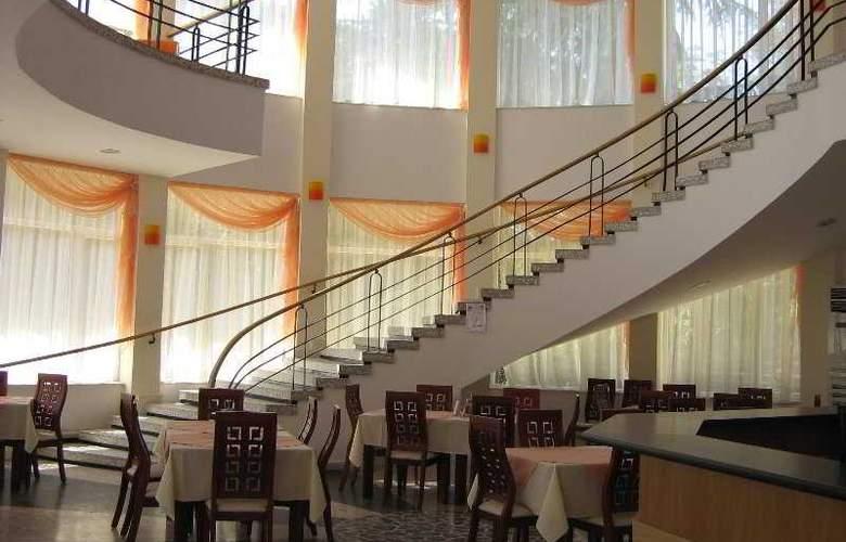 Korab - Restaurant - 9