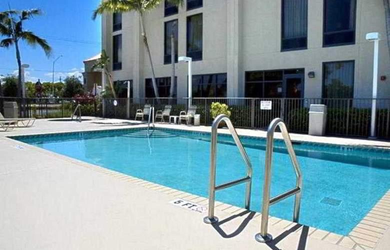 Hampton Inn Ft. Lauderdale Commercial Blvd - Pool - 2
