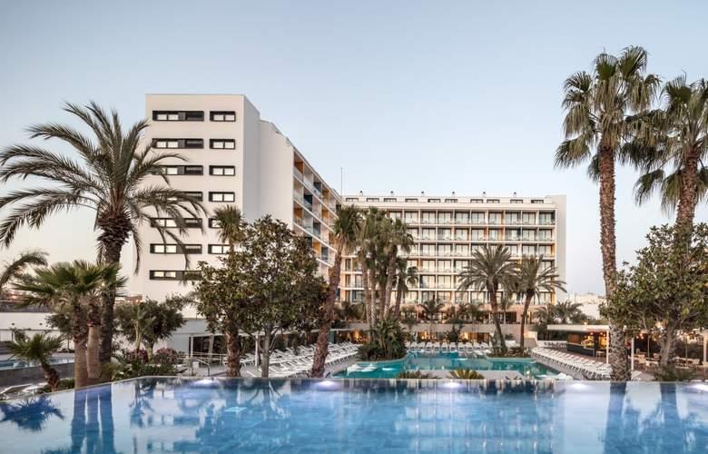Aqua Silhouette & SPA - Hotel - 10