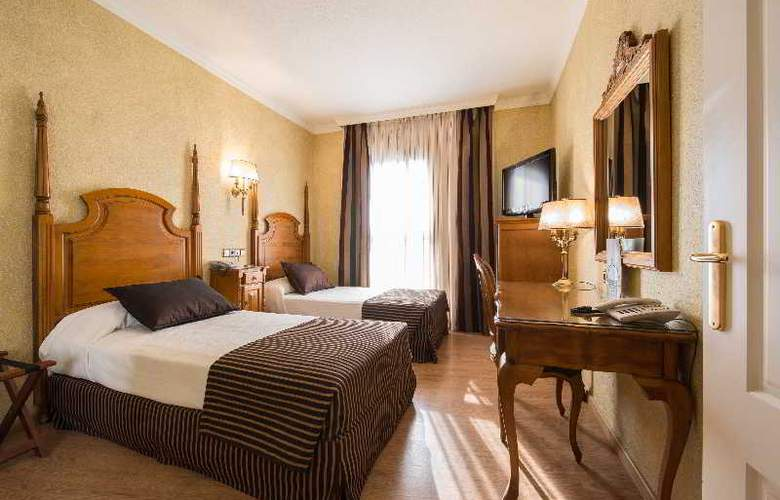 Salles Malaga Centro - Room - 19