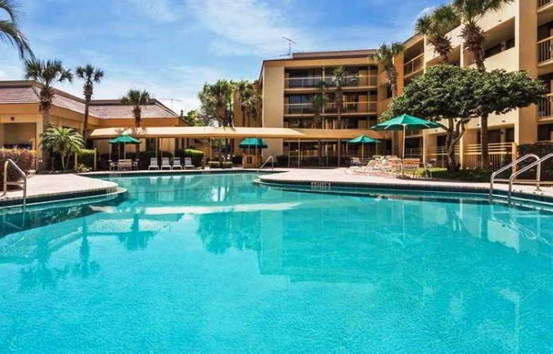 La Quinta Inn - Pool - 17