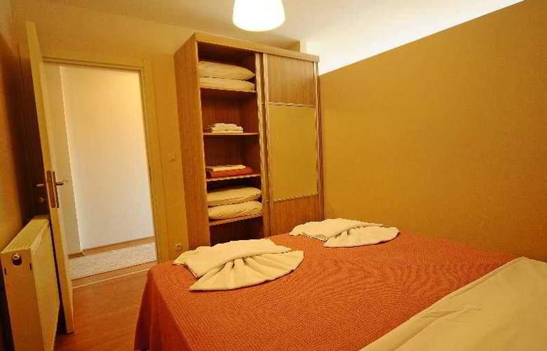 Atrium Suites - Room - 9