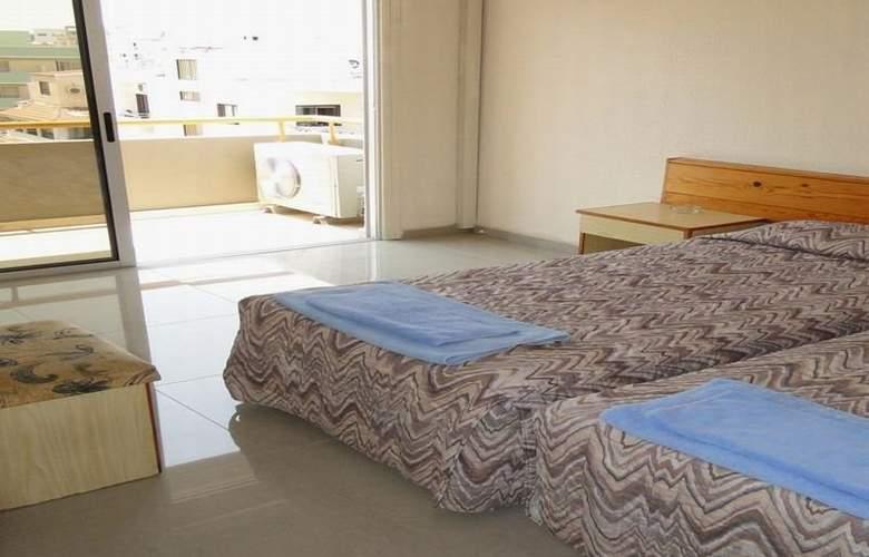Sunflower Hotel Apts - Room - 5