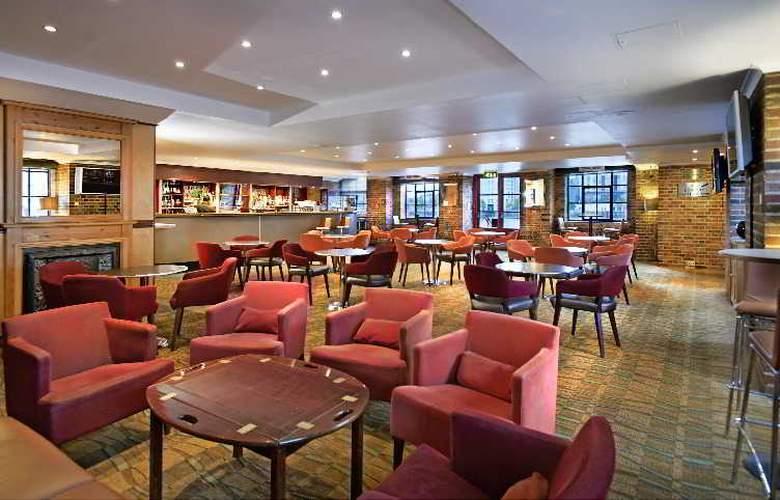 Hilton London Docklands Riverside - Bar - 4