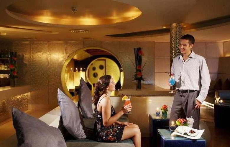 Centara Grand Beach Resort and Villas Krabi - Bar - 43
