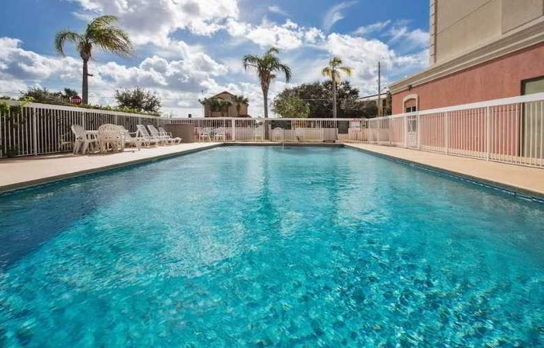 Country Inn & Suites By Carlson, Orlando - Pool - 0