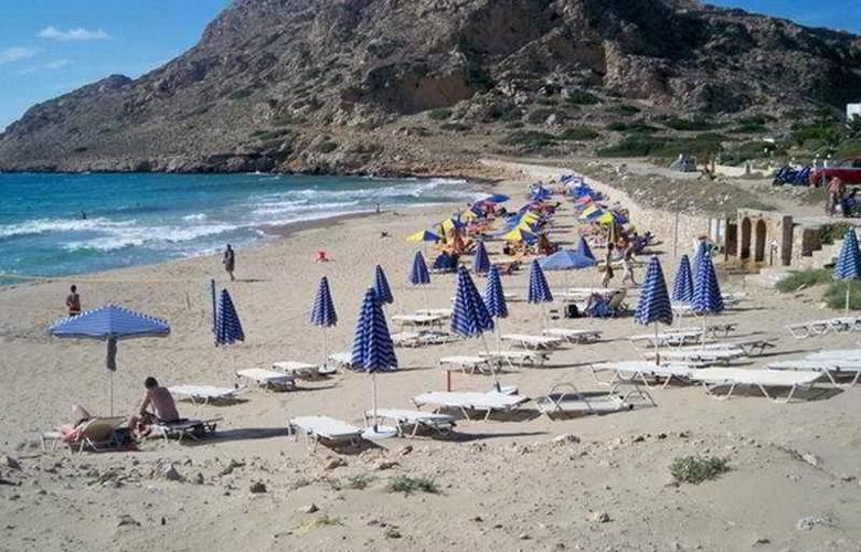 Euroxenia Royal Resort - Beach - 9