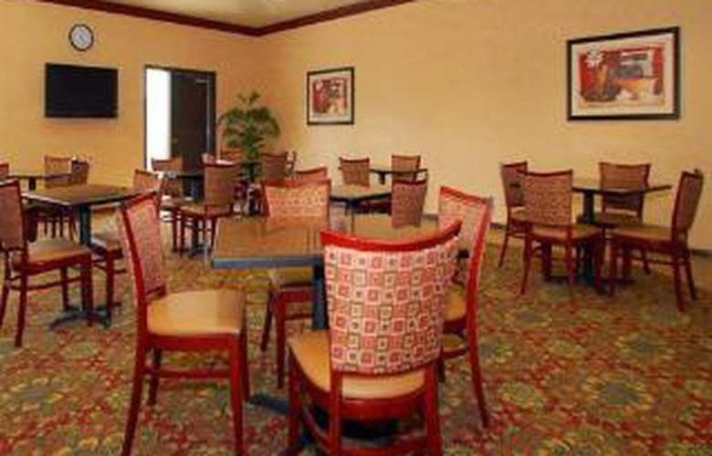 Sleep Inn & Suites at Six Flags - General - 3