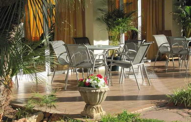 Hotel Tramontana - Terrace - 10