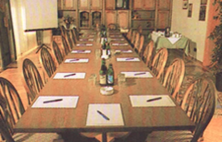 Götz - Conference - 2