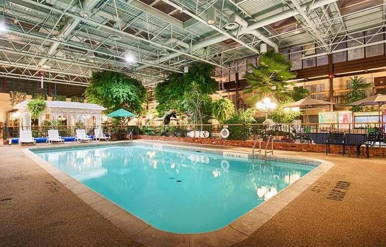 Best  Western Plus Cairn Croft Hotel - Pool - 85