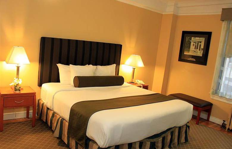 Best Western Plus Hospitality House - Apartments - Room - 111