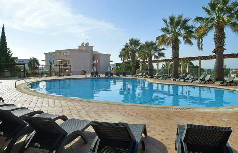 Cheerfulway Balaia Plaza - Pool - 3