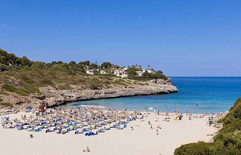 Insotel Cala Mandia Resort & Spa - Beach - 23