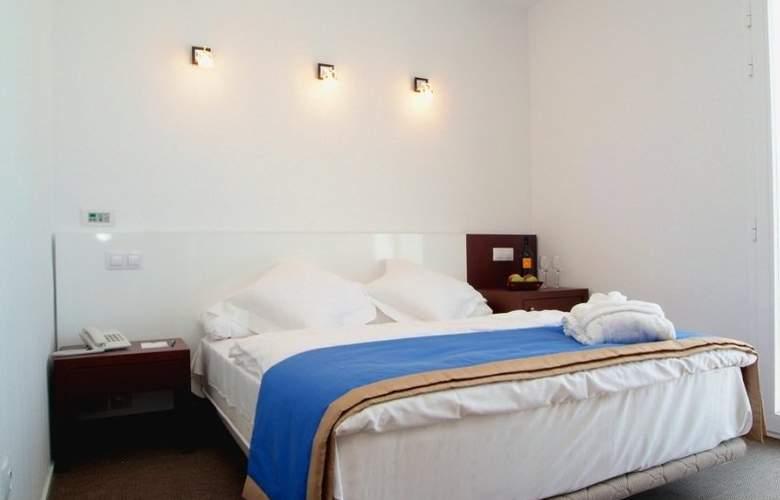 Azul Playa - Room - 3