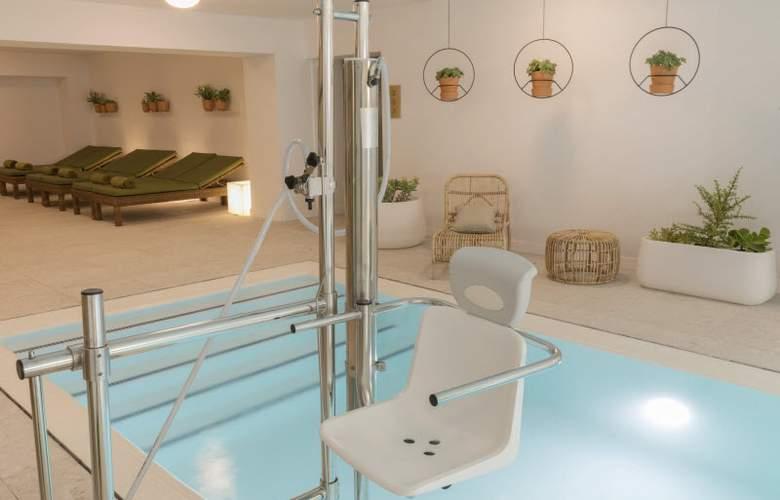 HM Ayron Park - Pool - 27