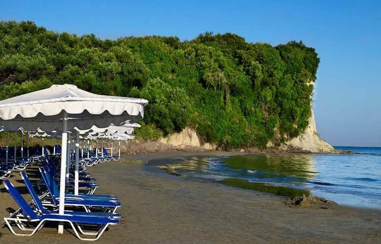 Mitsis Roda Beach Resort & Spa - Beach - 19