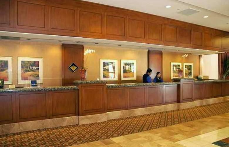 Hilton Los Angeles North/Glendale & Executive - Hotel - 8