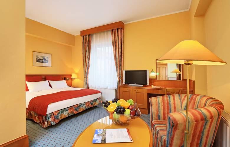 International Prague - Room - 5