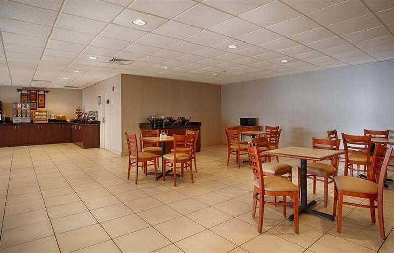 Best Western Mount Vernon Ft. Belvoir - Restaurant - 57