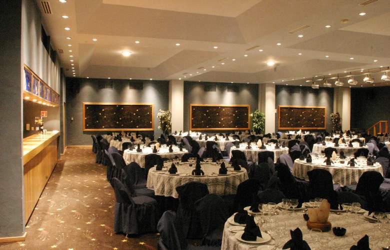 Golden Parnassus Resort & Spa All Inclusive - Restaurant - 24