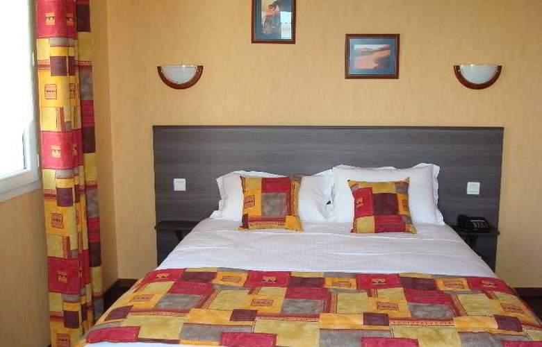 Brit Hotel Azur - Hotel - 4