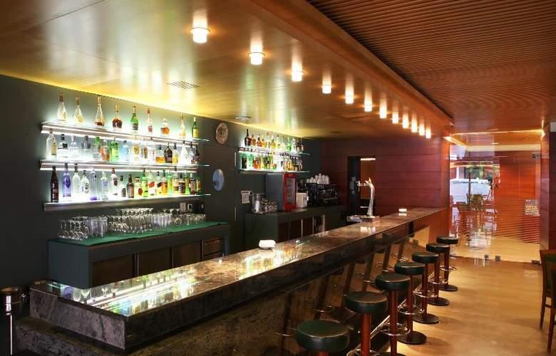 Tulip Inn Andorra Delfos - Bar - 24