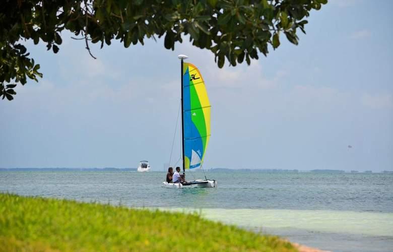 Sunset Marina Resort & Yacht Club - Beach - 3