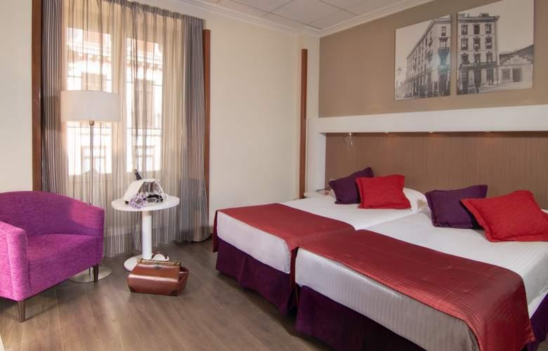Gran Hotel España Atiram - Room - 2