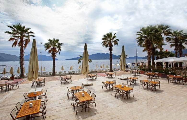 Sol Beach Hotel - Terrace - 9