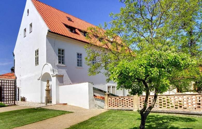 Monastery Garden - General - 1