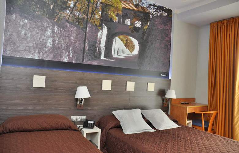 Ciutadella - Room - 12