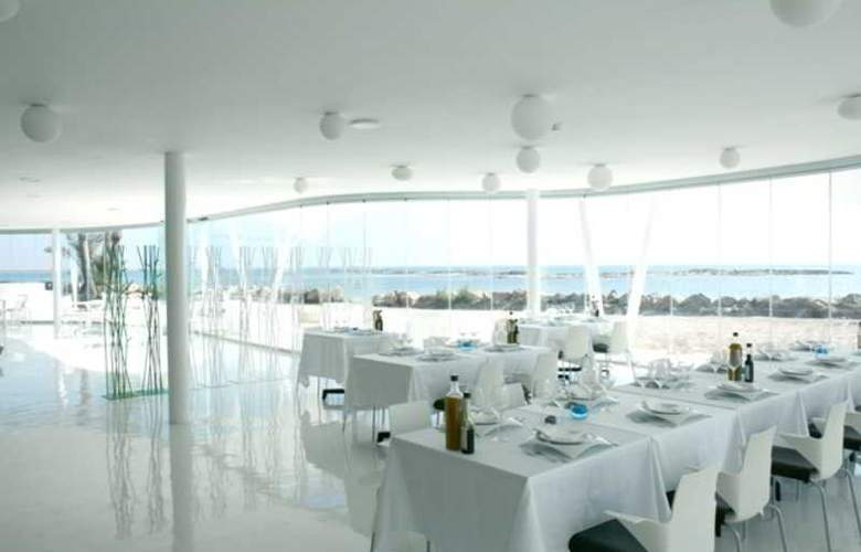 Roda Golf and Beach Resort - Restaurant - 20