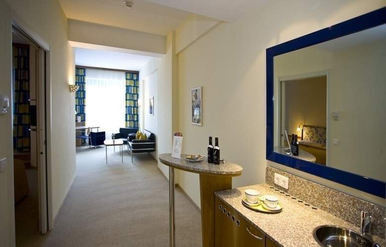 Starlight Suiten Hotel Salzgries - Room - 4