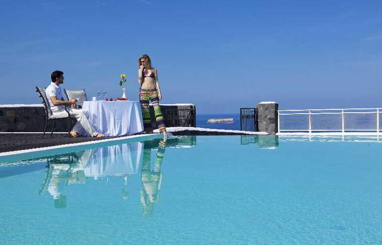 Thermes Luxury Villas - Pool - 36