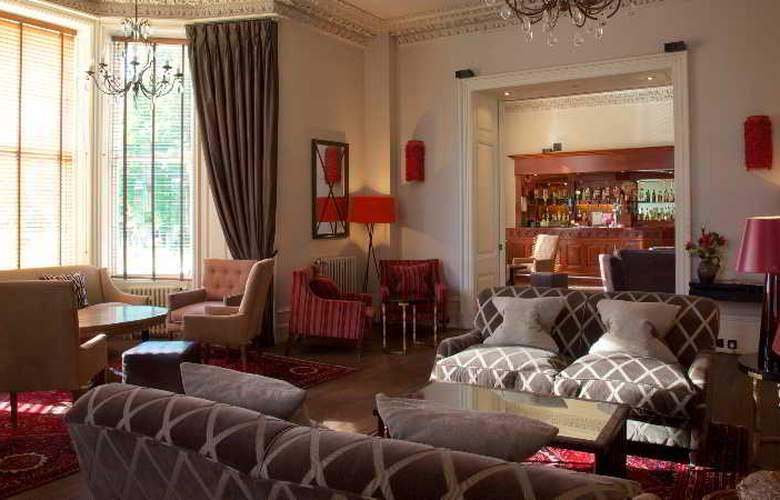 Newton Hotel - Bar - 10