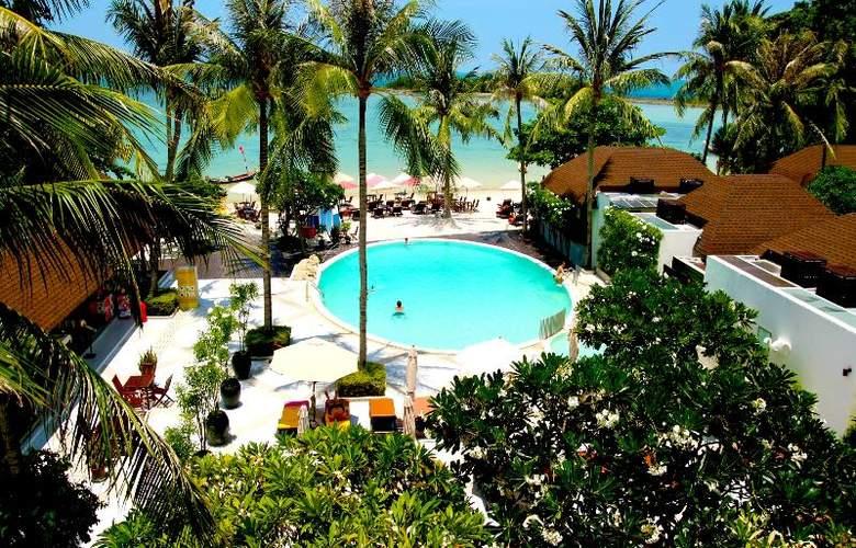 Iyara Beach Hotel & Plaza - Hotel - 2