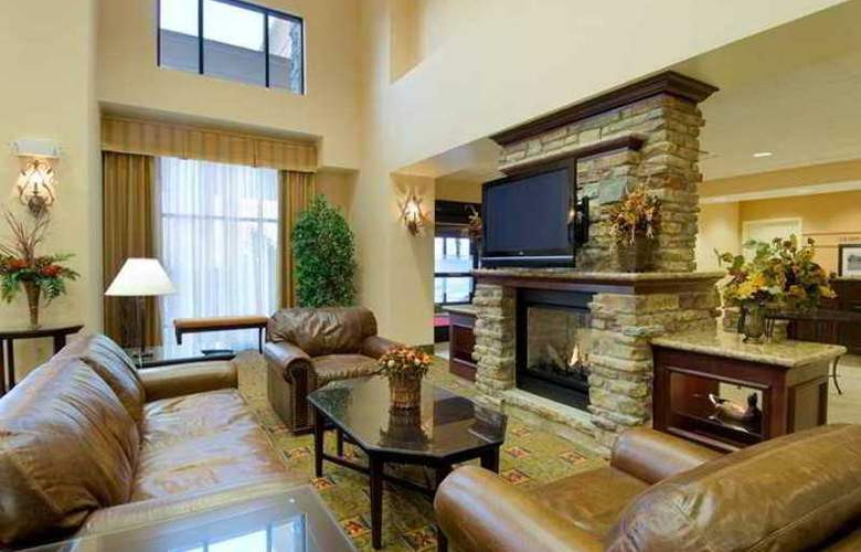 Hampton Inn & Suites Rogers - Hotel - 0