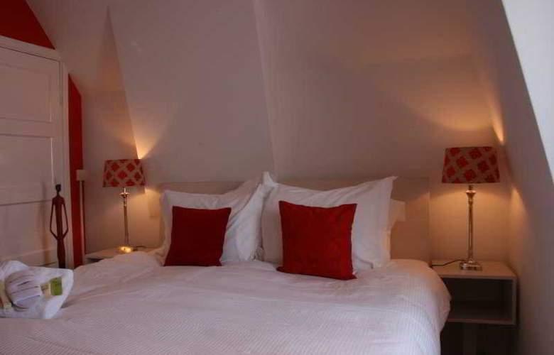 Sandton Hotel de Filosoof - Room - 4