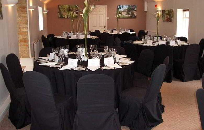 Whitwell Hotel & Conference Centre - Restaurant - 4