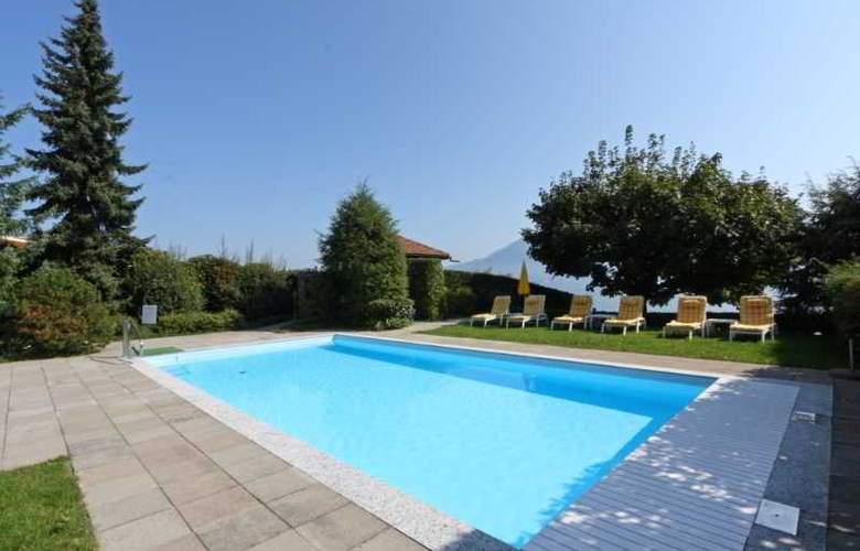 Kastanienbaum Swiss Quality Seehotel - Pool - 11