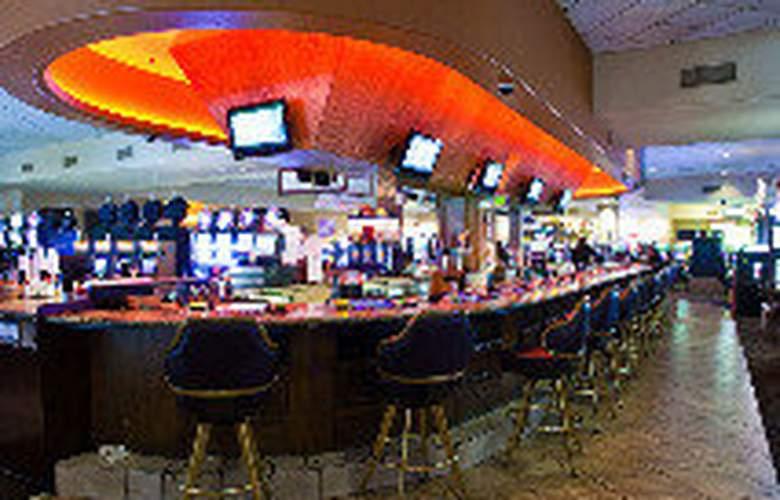 Tuscany Suites & Casino - Bar - 9
