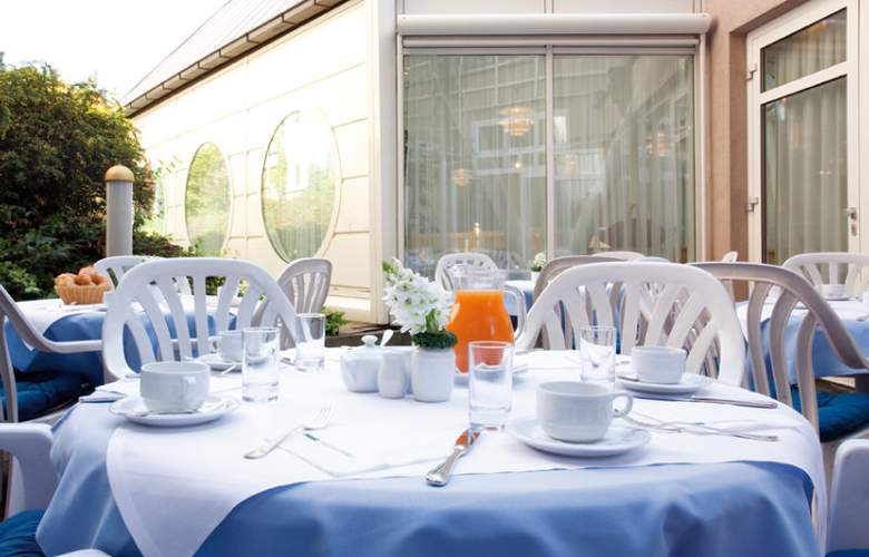 Derag Livinghotel Kaiser Franz Joseph - Terrace - 4