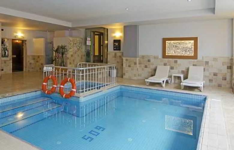 Garden Of Sun Hotel - Pool - 11