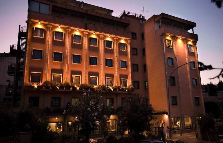 Grand Hotel Tiberio - Hotel - 7