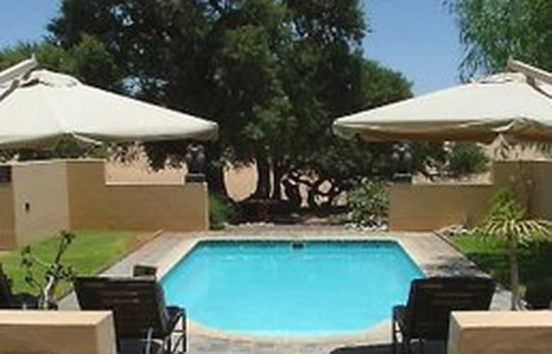 Sossusvlei Lodge - Pool - 2