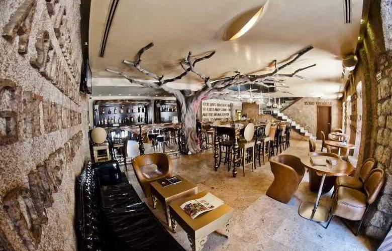 Boutique Hotel Astoria - Bar - 4